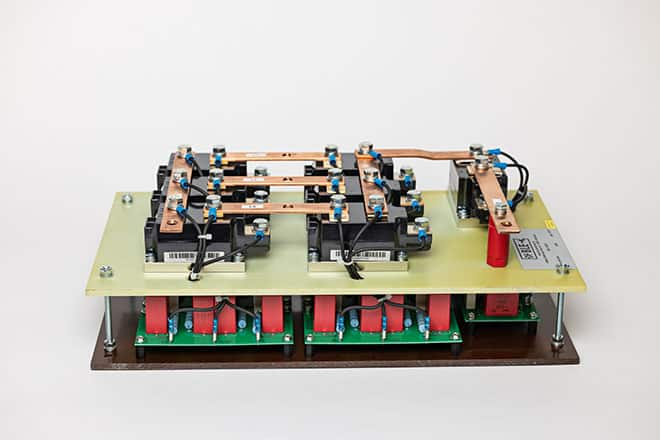 B6U Gleichrichter 3,5kVDC / 20A mit Schutzdiode und RC-Beschaltungen