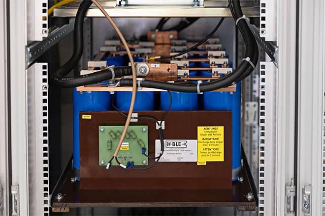 Wir fertigen auch Kondensatorbaugruppen nach Kundenspezifischen Anforderungen.