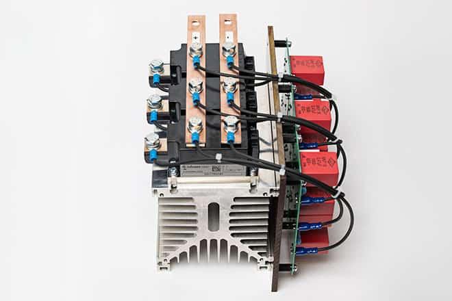 B6U Gleichrichter mit RC-Beschaltung es gibt viele mögliche Ausführungen auf KM17 Kühlkörper