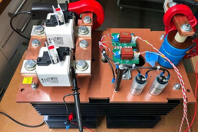 Test eines neuaufgebauten Thyristormoduls mit 1500A